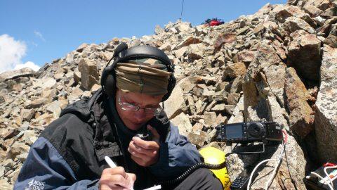 Радиосвязь с вершины горы Кезген. 2009г